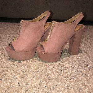 Qupid Heels, faux leather with gold zipper